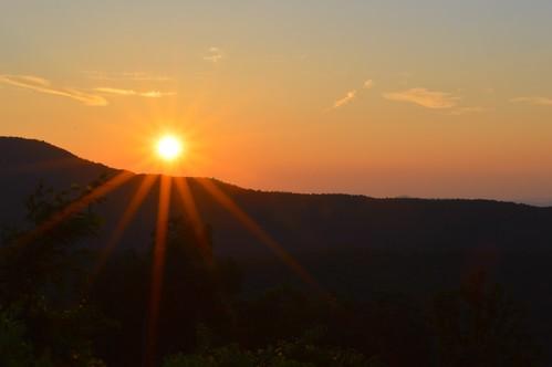 tablerocknc trees d3200 phixe valley horizon sun star sunrise sky sunbeams sunrays ncmountainman lowresolutionversion nikon clouds