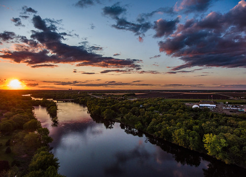 sunset sky minnesota river us unitedstates mississippiriver powerplant monticello nuclearplant monticellonucleargeneratingplant