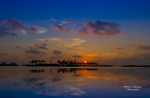 sunset reflection clouds sunrise canon palms island colours reflect maldives picoftheday addu hithadhoo sunnysideoflife allsunrises