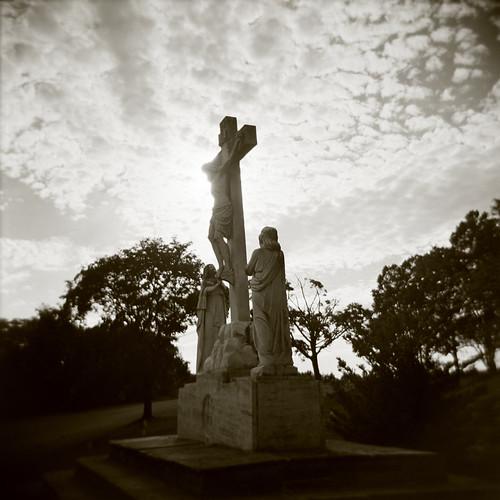 statue christ cross jesus crucifixion