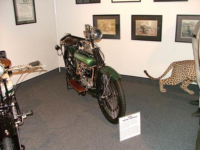 2004TB081