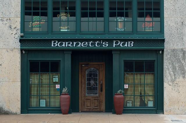 Barnett's Pub
