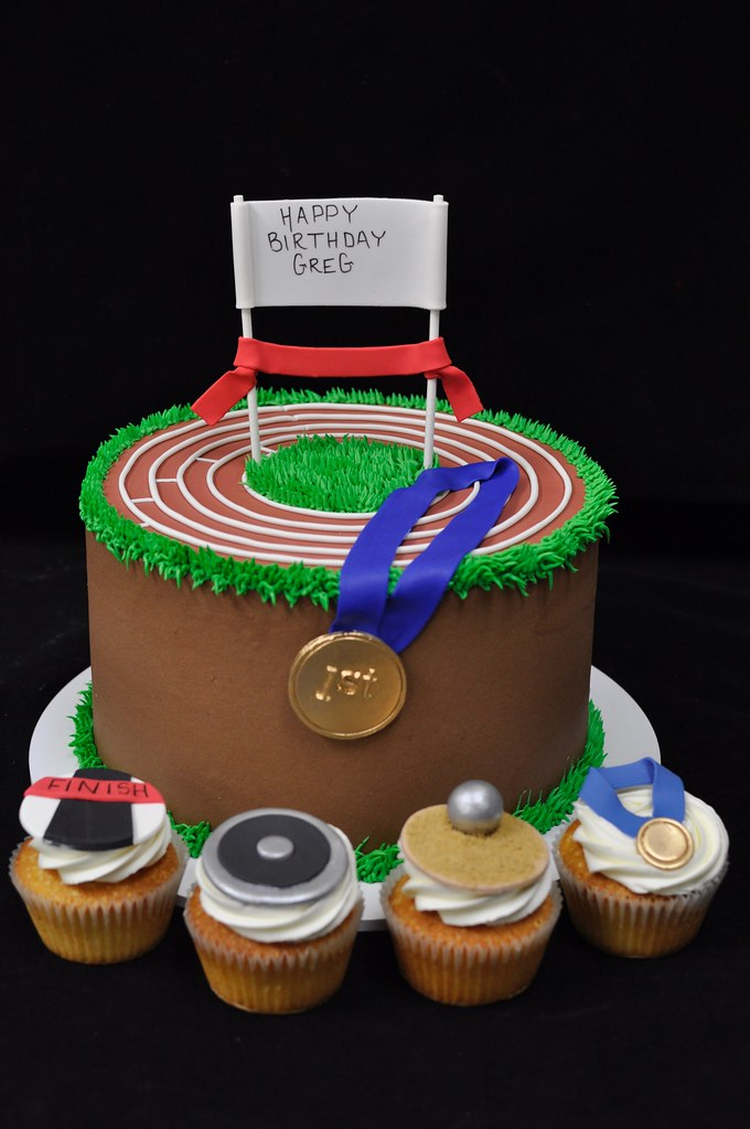 Track And Field Cake And Cupcakes Jenny Wenny Flickr