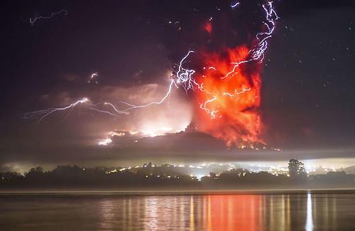 volcano-eruption-calbuco-chile-5__880 | by Andiseño Estudio