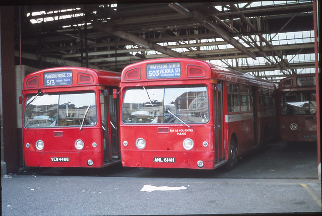BS0911 VLW449G , AML614H LONDON GILLINGHAM STREET GARAGE , VICTORIA TUE 30.05.1978