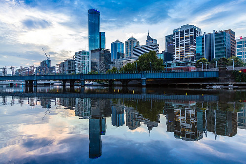 australia melbourne southbank yarrariver yarra river city sandridgebridge bridge sunset water reflection clouds victoria buildings waterfront skyline