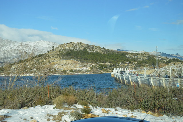 Embalse de Navacerrada congelado