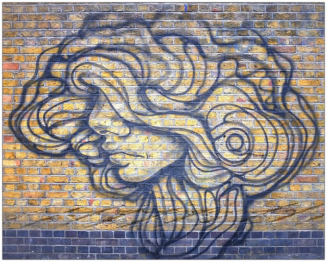 Graffiti (Paola Delfin), East London, England.