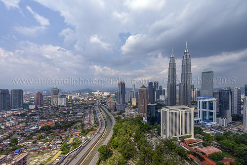 clouds shopping highway afternoon skyscrapers cloudy petronas hills commercial twintowers elevated petronastwintowers suriaklcc petronastower3 nurismailphotography nurismailmohammed nurismail
