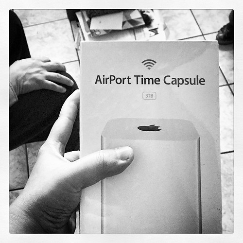 UY NO! Lo q hace uno para backup-ear su info.... UnBoxing 3TB Airport Time Capsule