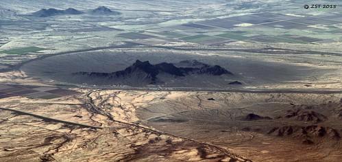 arizona mountain desert flight aerialview aerial picachopeak unitedairlines windowseat picachopeakstatepark iahtolax zeesstof houstontola