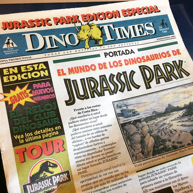 On spring of 1993 I got the news: 120 miles off the west coast of Costa Rica, Isla Nublar was opening a biological reserve to the public. Here, my copy of the Spanish edition of the DinoTimes by the Dinosaur Society, I used to receive it each month. #jura