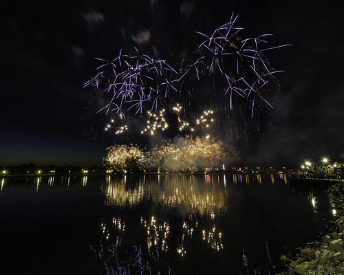 fireworks baycitymichigan saginawriver 4thofjuly tacphotography