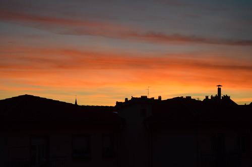 city sunset red sky colors atardecer ciudad cielo tejados navarra zerua nafarroa hiria ilunabarra teilatuak