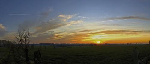 sunset panorama sun green clouds zonsondergang belgium belgië torhout autopano wijnendale