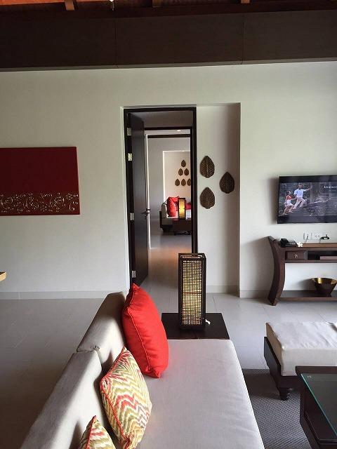 <p>ロックオフできるお部屋です。<br /> 扉が2枚で畳一畳分くらいの空間があります。</p>