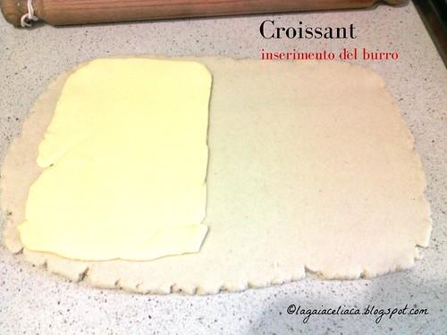 Croissant: inserimento del burro   by mammadaia