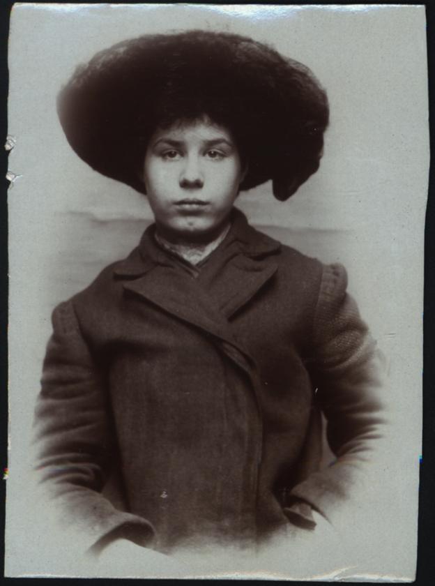 Alice Maud Marr, arrested for stealing door mats