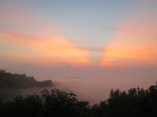 travel panorama heritage sunrise candi gunungmerapi candiborobudur gunungmerbabu panoramaindonesia wonderfulindonesia indonesiakaya beautifuindonesia