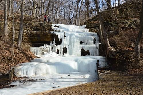 winter people white ice waterfall crevecoeur crevecoeurpark