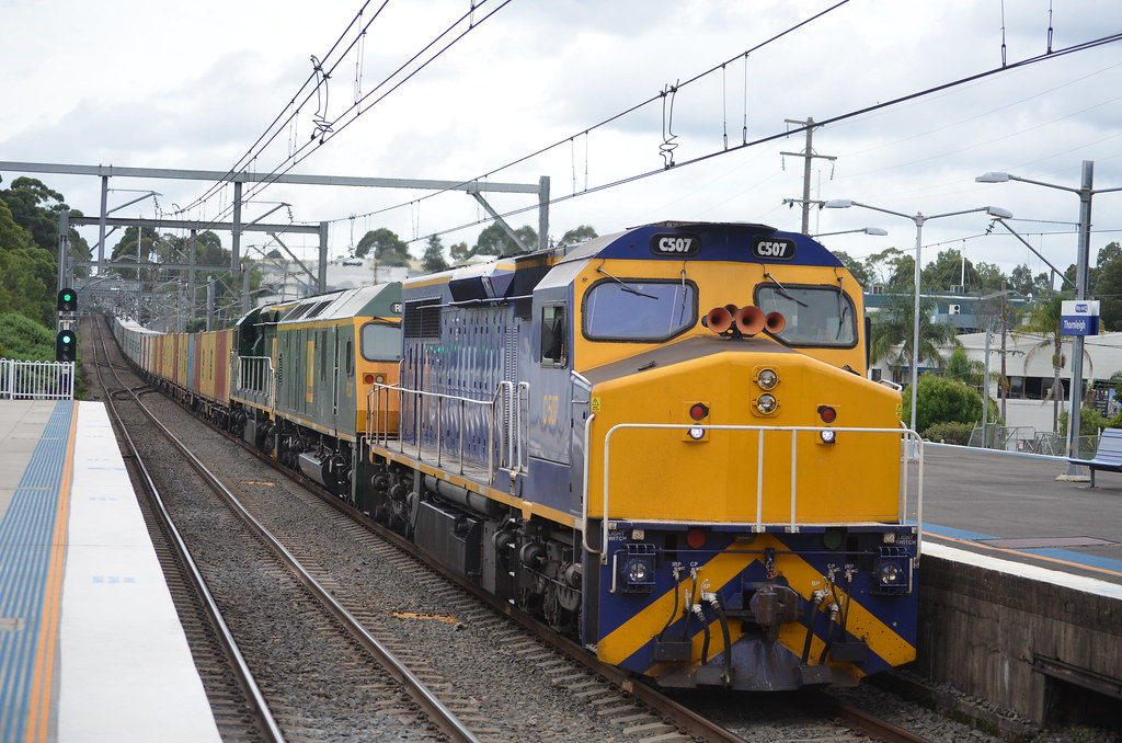 C506 RL307 C507 lead 4190 past thornleigh station by NR1984