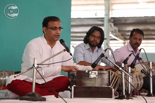 Devotional song by Dr. Vindo Gandharav