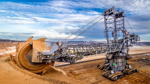 deutschland coal nordrheinwestfalen tagebau excavator bagger garzweiler braunkohle jüchen schaufelradbagger