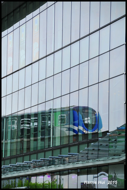 Reflection On Canada Line - Aberdeen N16891e