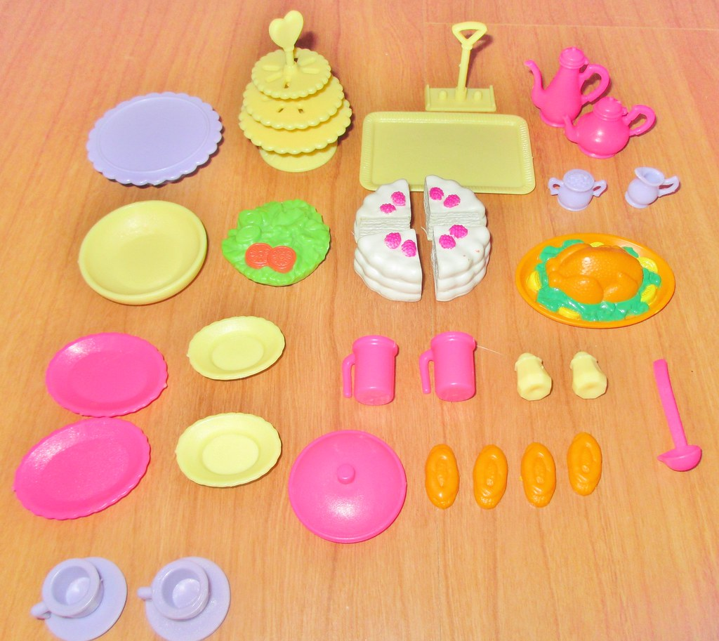 1995 Barbie So Much To Do! Dining Room Accessories | Flickr
