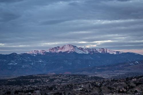 morning sky mountain weather clouds sunrise colorado day cloudy gardenofthegods pikespeak mostlycloudy