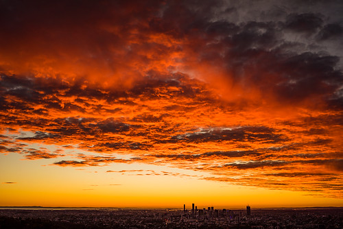 2016 australia brisbane mtcoottha mtcootthalookout qld queensland sonya7r clouds seqld sunrise sky colourful red city skyline cloudsstormssunsetssunrises