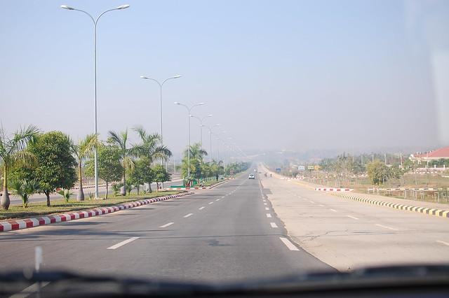 D4.1 Naypyidaw. Big. Empty