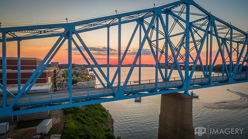 fa5 ky kentucky ohioriver owensboro sunset aerial bluebridge downtown fridayafter5 glovercary p3p usa