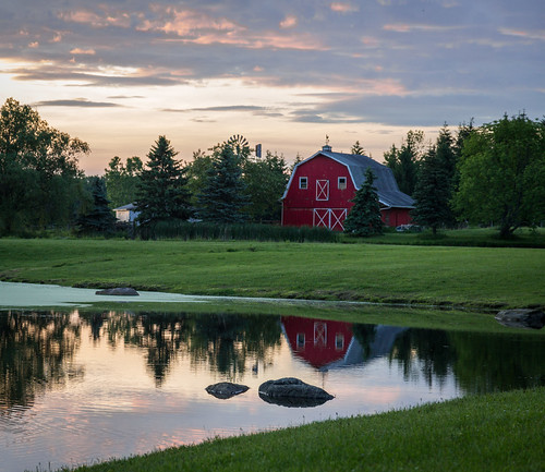 ohio red lake reflection barn rural pond geaugacountyohio newburyohio canon5dmark3 lightroom6