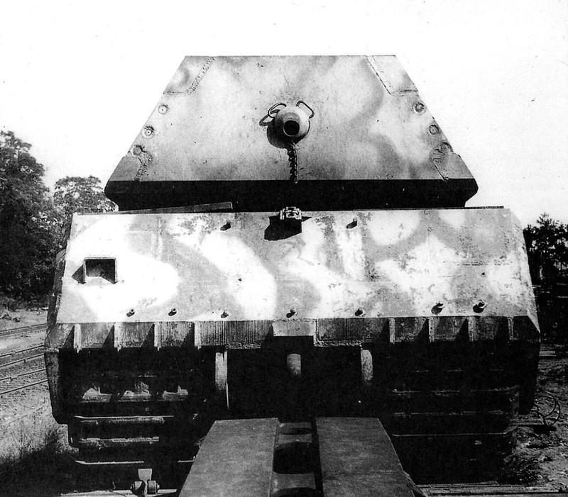 """Duitse superzware tank """"Mouse"""" (Panzerkampfwagen VIII Maus)"""