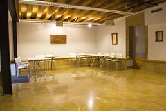 En la imagen se puede ver las mesas en el Colegio situado en Lobiano Kultur Gunea