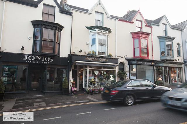 Upscale boutique shops on Newton Road, Swansea