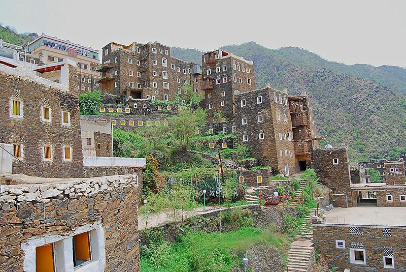 قصر تاريخي في رجال ألمع في عسير