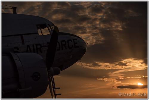 willowrun yankeeairmuseum michigan airport airplane aircraft flying sunset dakota c47