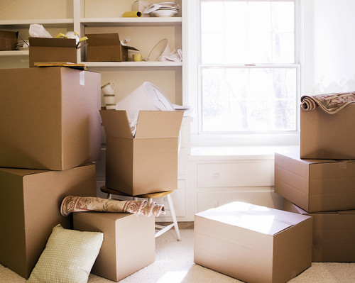 TE-BLOG_-Moving-day-boxes_-08_23_2011_iStock_000008388519Medium1 | by naiaraback1