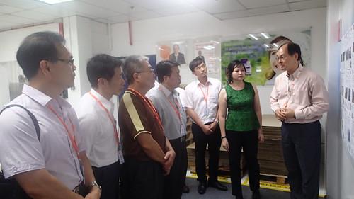 圖04 GSK藥廠廠長Allan Chin先生帶領參觀廠區
