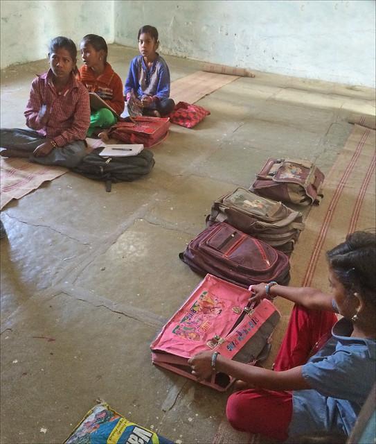 Une classe de l'école publique (Amla, Inde)