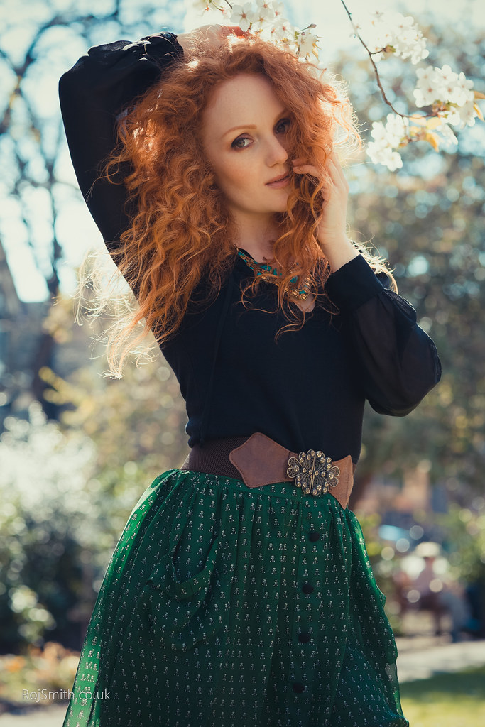 Picture of Ivory Flame   Natural redhead, Fashion, Evening