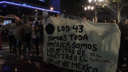 Protesta Ayotzinapa, Teatro Nacional 2014 (36) | by MadriCR