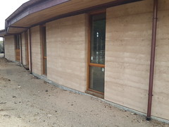 Roaring beach 450mm insulated rammed earth R4.3