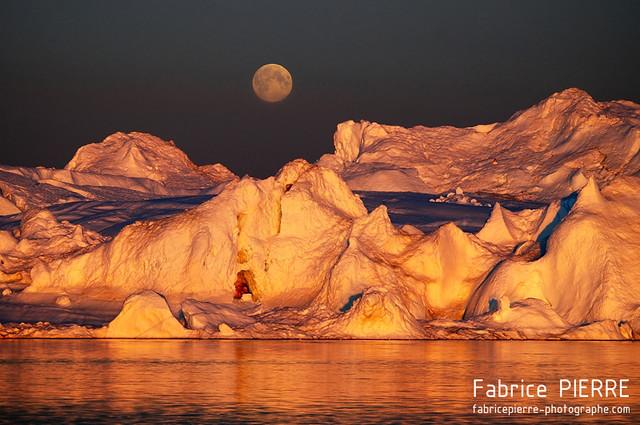 Frozen moon - Greenland - July 2012