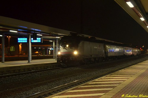 182 529-8 (ES 64 U2 -029) mit dem Rheingold durch Eisenach am 17.10.2015 | by Photography Sebastian Winter
