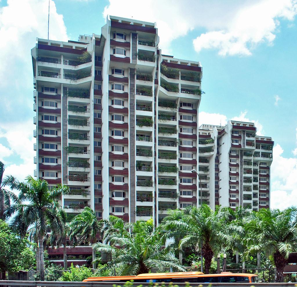 Apartemen Palm Court