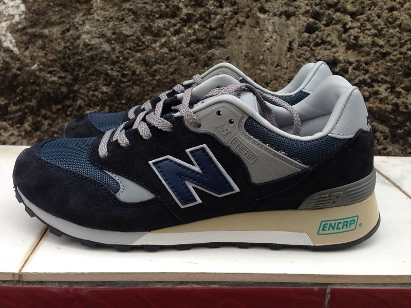 Negligencia Equipo de juegos accesorios  NB M577ANN Mens New Balance 25th Anniversary Navy Grey Sneakers - a photo  on Flickriver