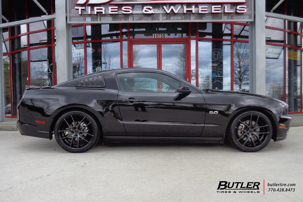 Niche Wheels Mustang >> Ford Mustang With 20in Niche Targa Wheels A Photo On